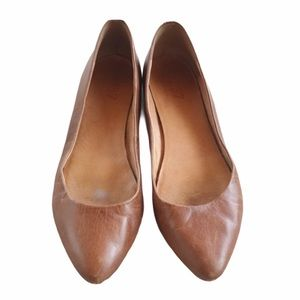 1937 Footwear Pointy Leather Flats